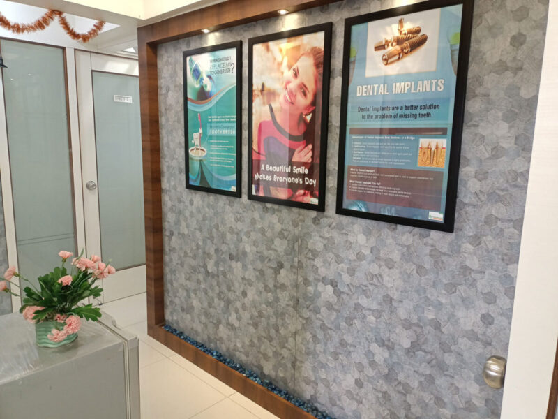 roots-wellness-clinic-lobby